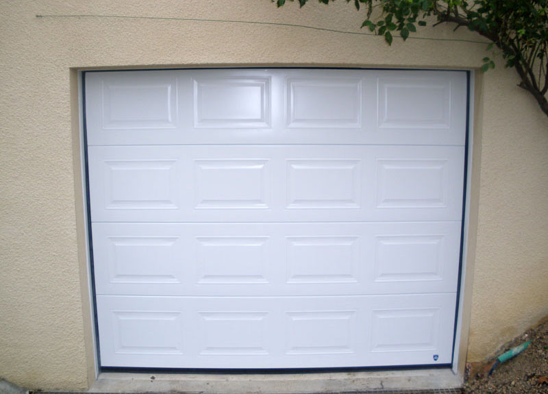 Porte de garage a cassette isolation id es for Porte de garage aludoor