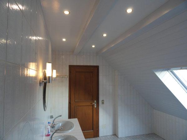 plaque de pvc pour salle de bain pose de panneaux muraux. Black Bedroom Furniture Sets. Home Design Ideas