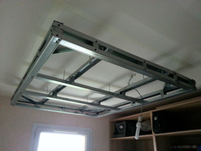 Double plafond suspendu isolation id es for Faux plafond decoratif