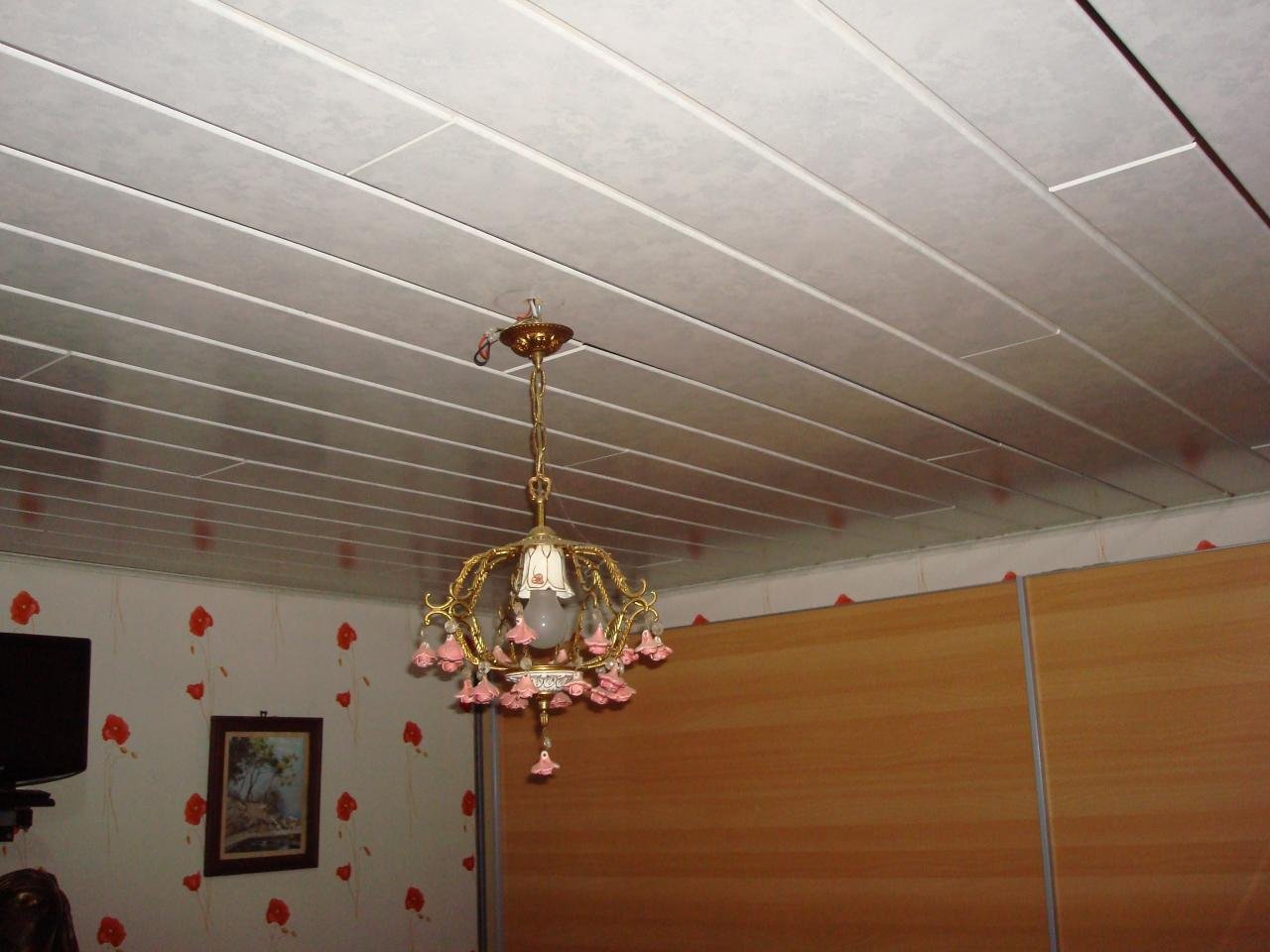 Assez Lambris pvc pour plafond cuisine - Isolation idées ZV17