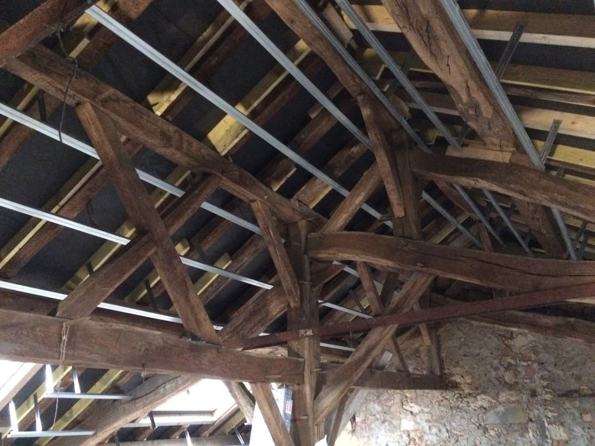 plafond suspendu rampant isolation id es. Black Bedroom Furniture Sets. Home Design Ideas