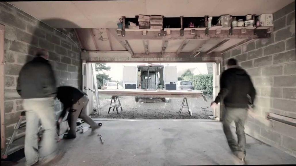 Porte de garage youtube isolation id es for Porte de garage sectio tech