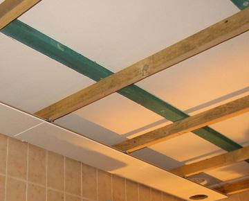 poser du lambris au plafond