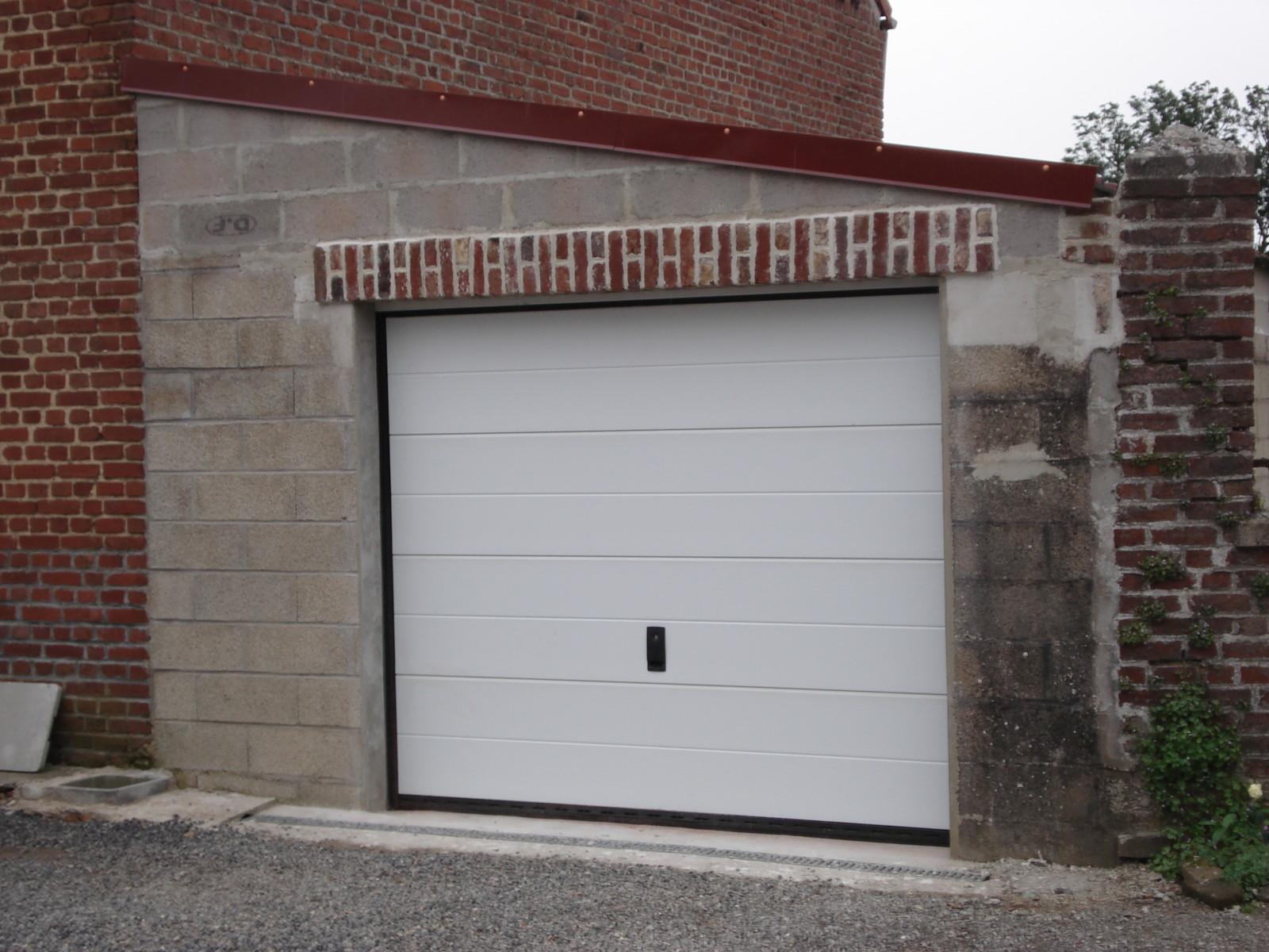 isolant pour porte de garage sectionnelle 37104 garage id es. Black Bedroom Furniture Sets. Home Design Ideas