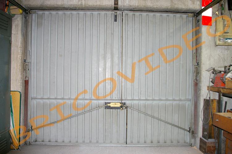 Porte de garage basculante video isolation id es - Montage porte de garage basculante ...
