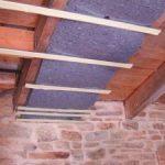 Isolation phonique plafond poutres apparentes