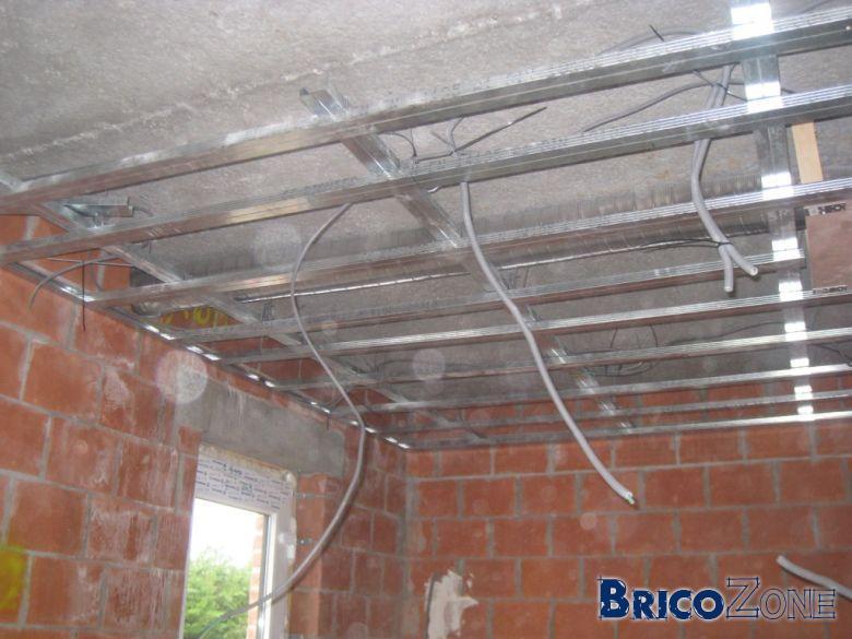 Plafond suspendu metal stud isolation id es - Isolation phonique plafond suspendu ...