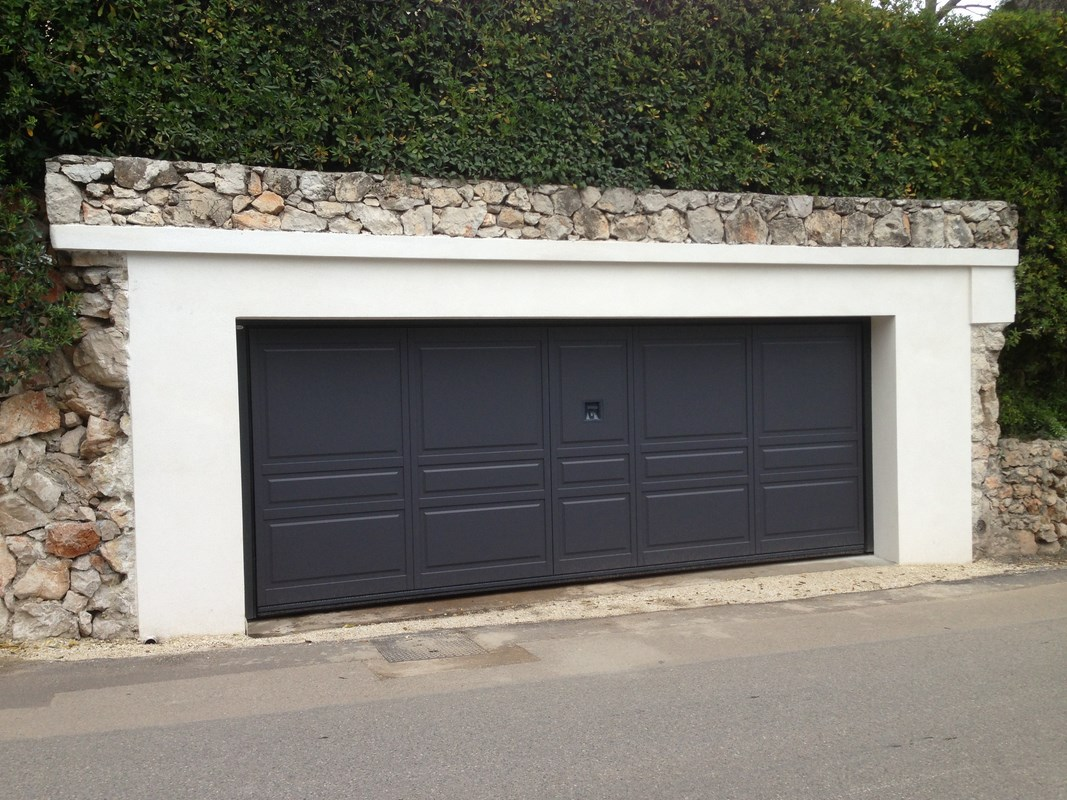 Porte de garage grande largeur isolation id es for Grande porte de garage sectionnelle