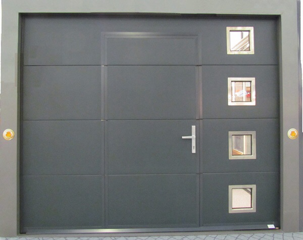 Porte de garage avec portillon isolation id es for Porte de garage b plast