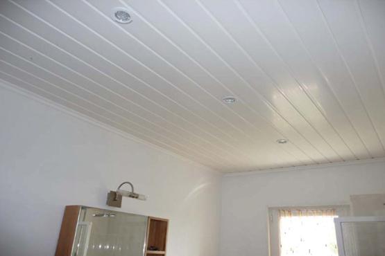 Montage faux plafond pvc isolation id es - Video comment peindre un plafond ...