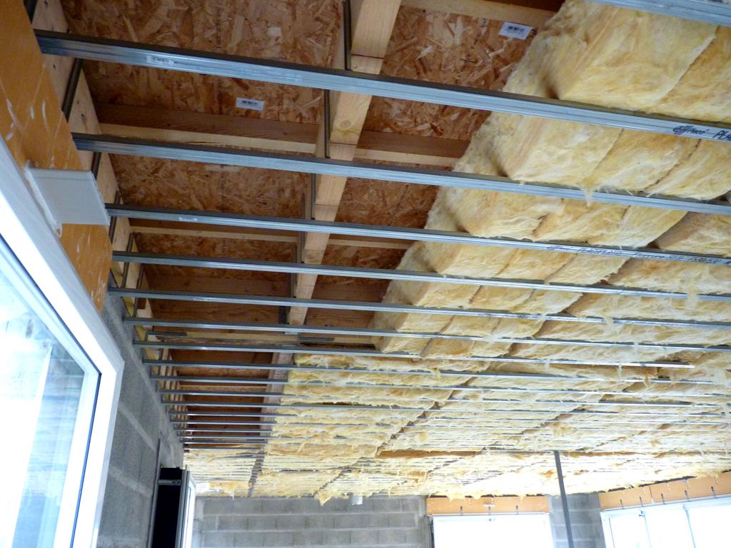 Construire un plafond isolation id es for Isolation de plafond de garage