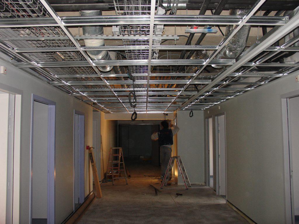 plafond suspendu batiment industriel isolation id es. Black Bedroom Furniture Sets. Home Design Ideas