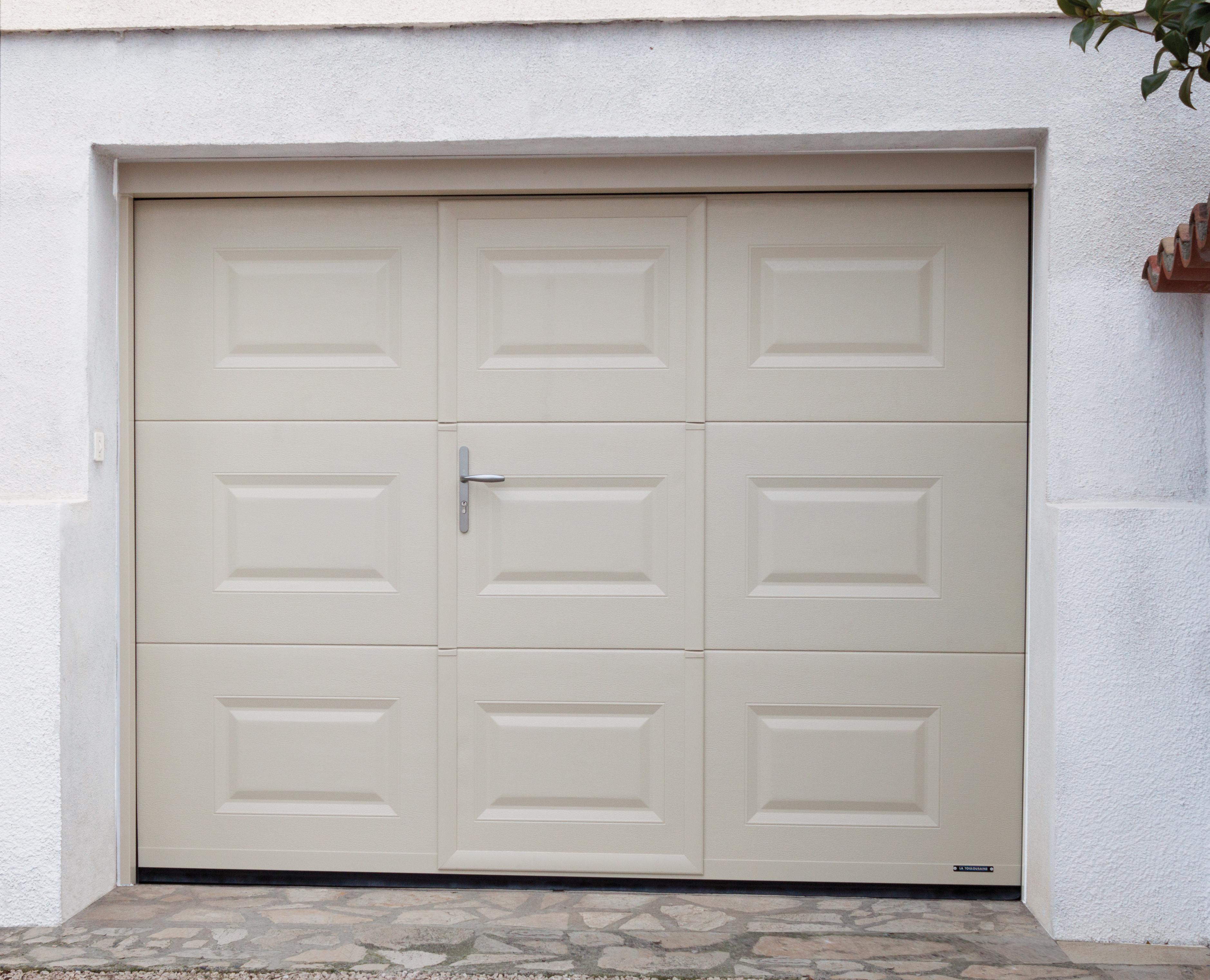 Porte de garage la toulousaine prix isolation id es - Prix porte de garage basculante avec portillon ...