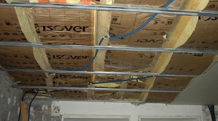 Pose de faux plafond suspendu isolation id es - Pose de faux plafond dalle 60x60 ...