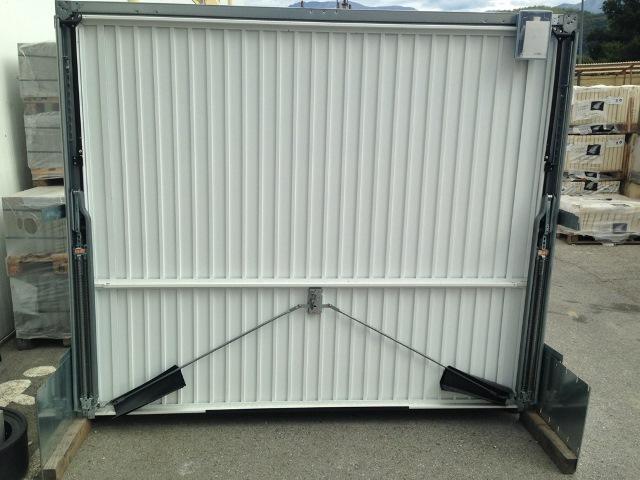 Montage porte de garage basculante tubauto isolation id es - Porte de garage basculante non debordante tubauto ...