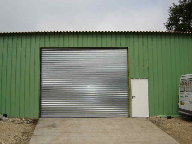 Porte de garage enroulable acier isolation id es - Porte de garage eveno ...