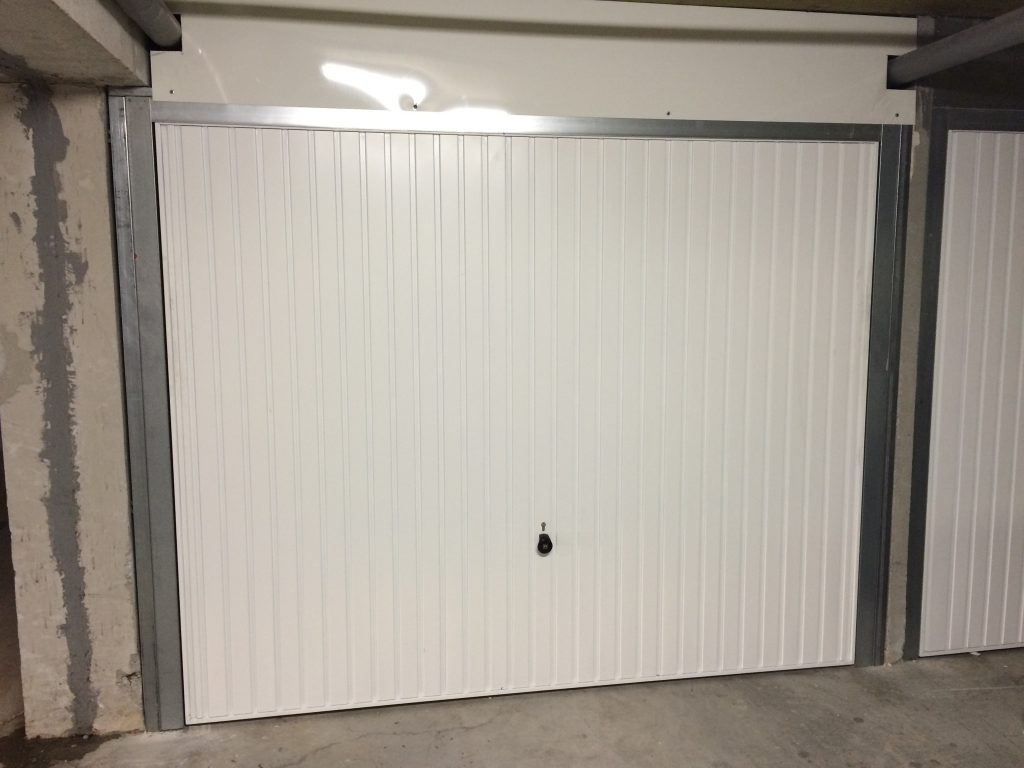 Fabriquer porte de garage basculante isolation id es for Isolation porte de garage weldom