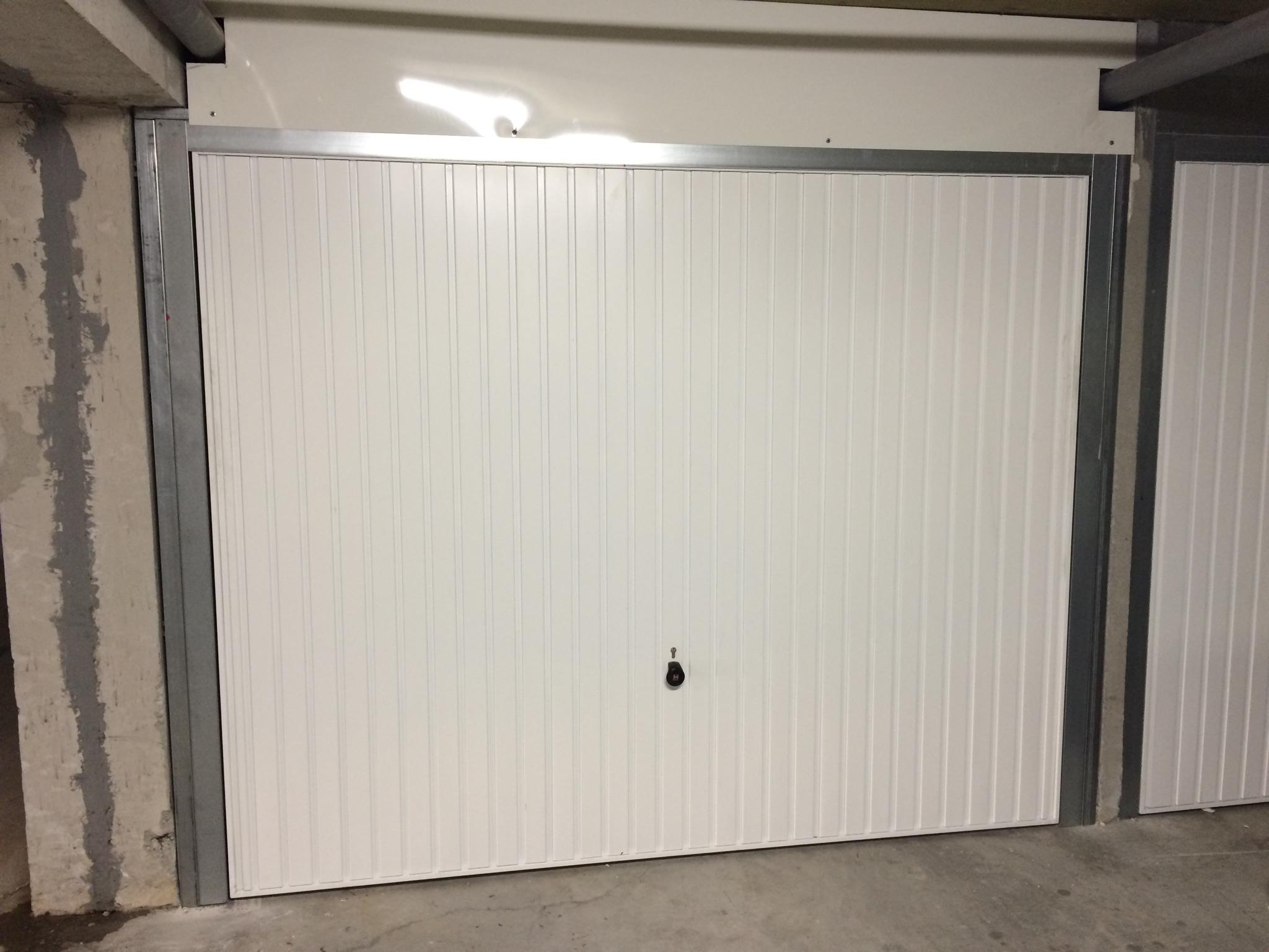 fabriquer porte de garage basculante isolation id es. Black Bedroom Furniture Sets. Home Design Ideas