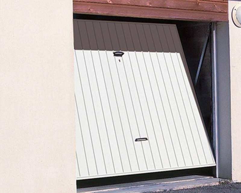 Porte de garage basculante a verin isolation id es for Programmation porte de garage tubauto