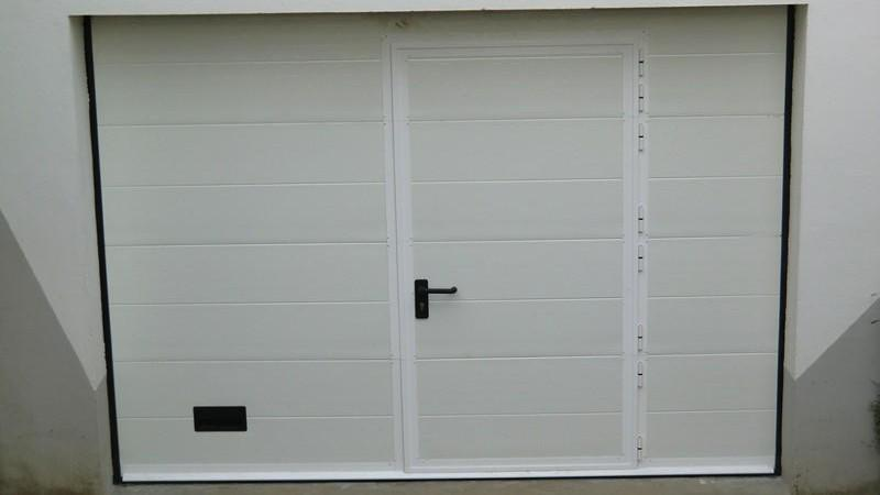 Porte de garage sectionnelle 220 x 200 isolation id es for Porte de garage sectionnelle 250 x 200