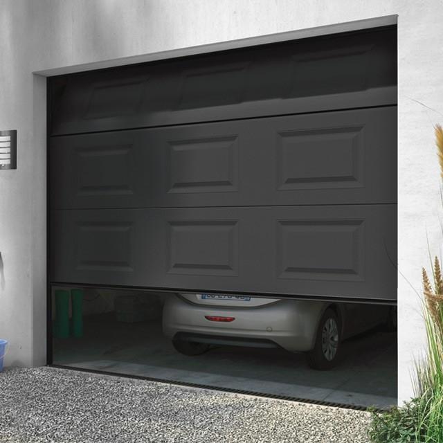 Porte de garage sectionnelle motoris e turia anthracite en kit isolation id es - Porte de garage wikipedia ...
