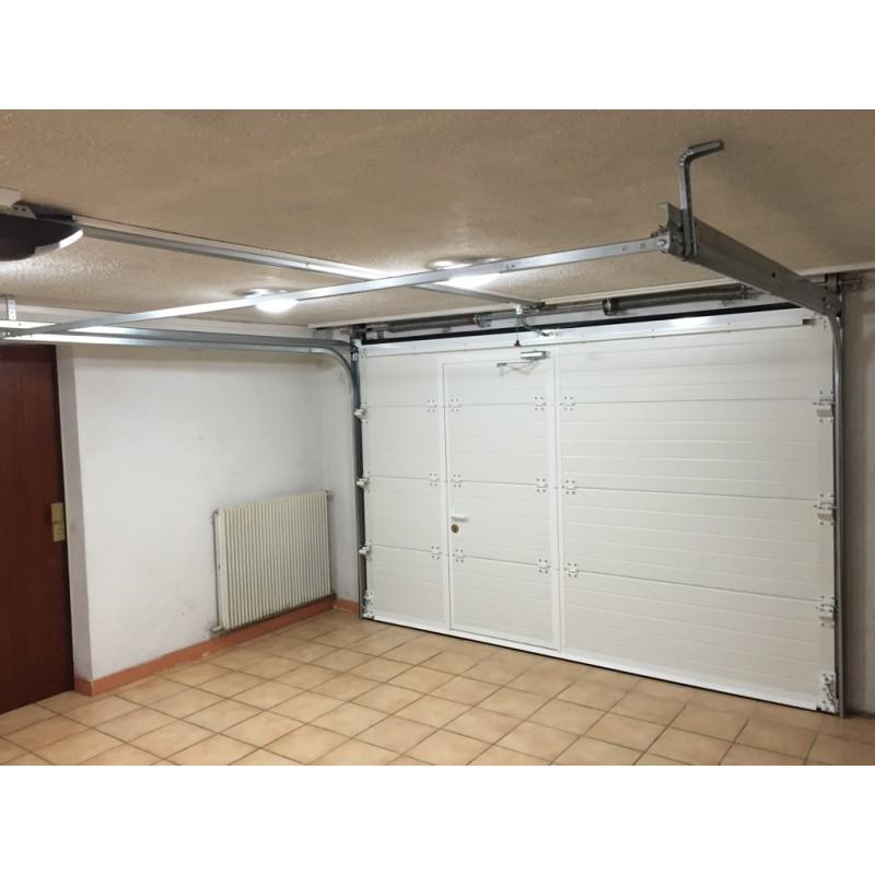 Porte de garage sectionnelle gefradis isolation id es - Porte sectionnelle avec portillon tarif ...
