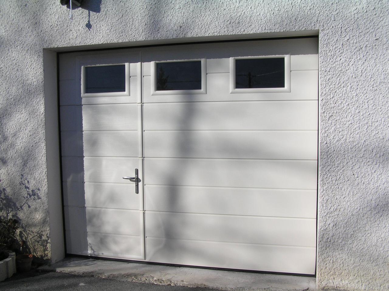 porte de garage sectionnelle avec portillon hormann prix. Black Bedroom Furniture Sets. Home Design Ideas
