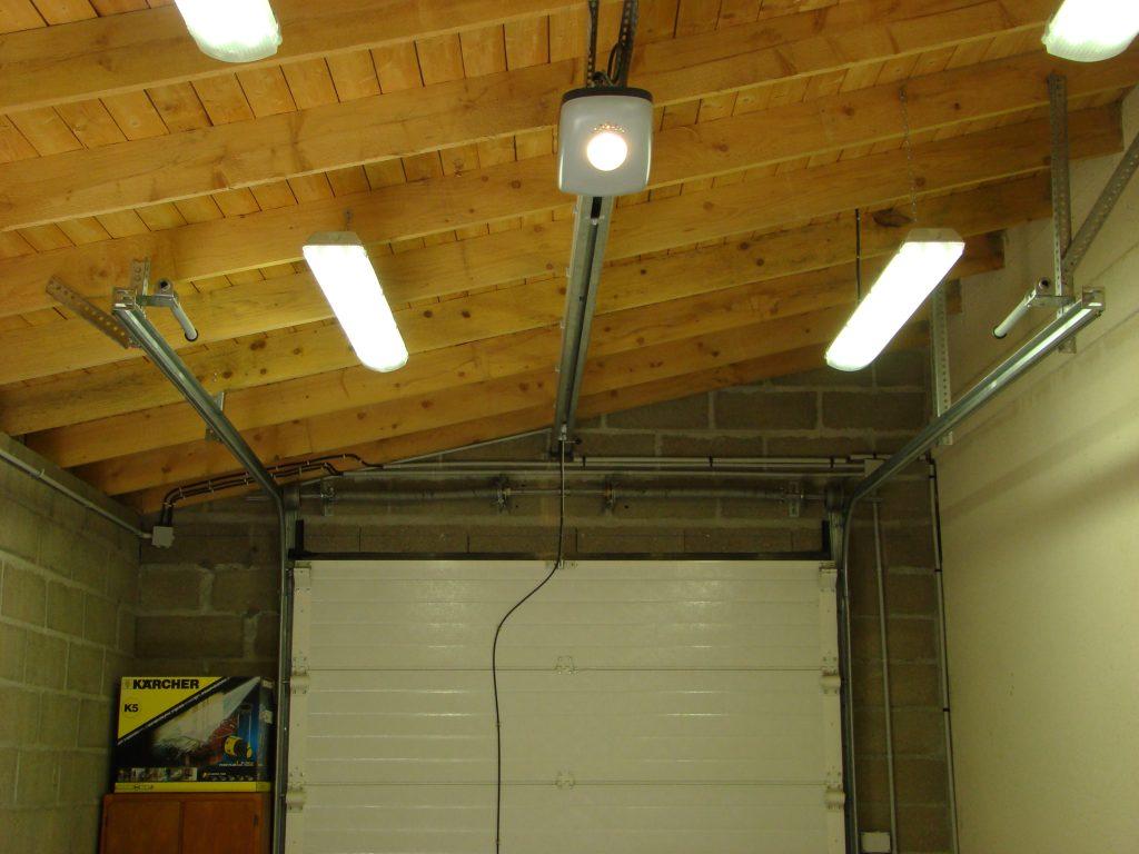 Porte de garage 6 39 isolation id es for Porte de garage isolation thermique